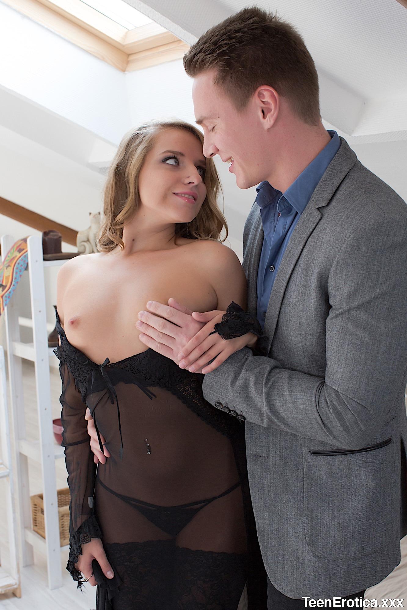 Teen Gets Her Ass Licked